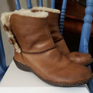 Ugg 1932 Boots Size 10 US